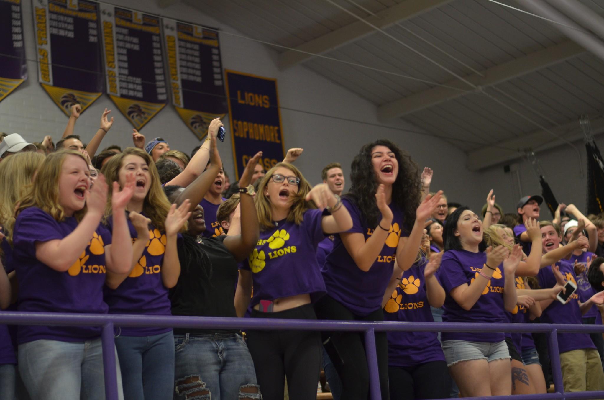 Sophomores show their lion pride.