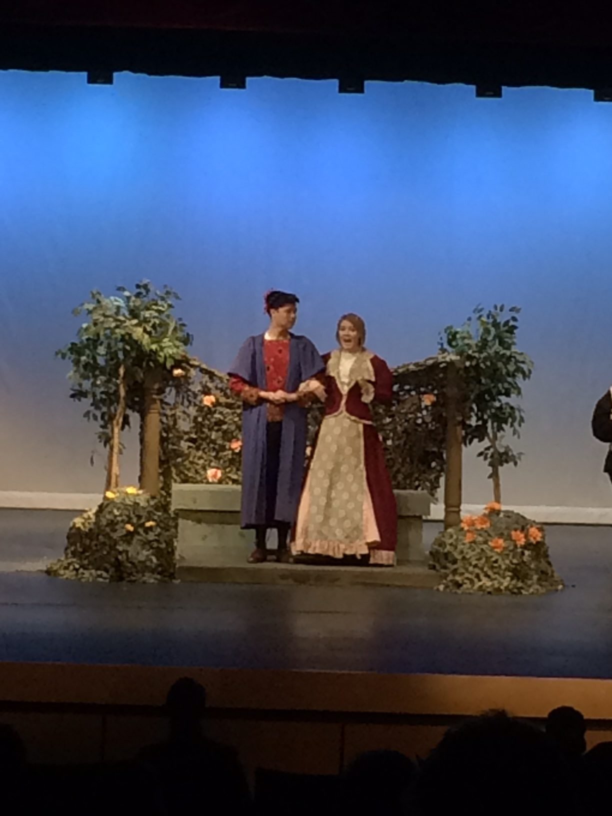 Seniors Grant Bowman and Ashby Bell acting in Hamlet.