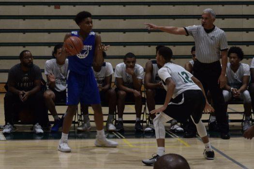 Rondell Felder, Jr playing defense