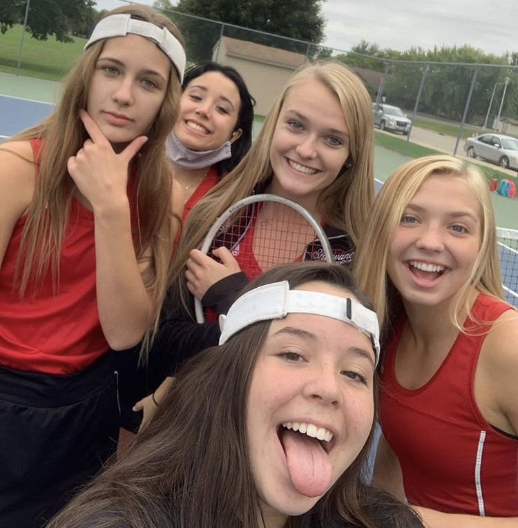 From left to right: Aubree Zastrow, Anna Cuenca, Grace Licausi, Sophie Hanauer, and Kate Williams.